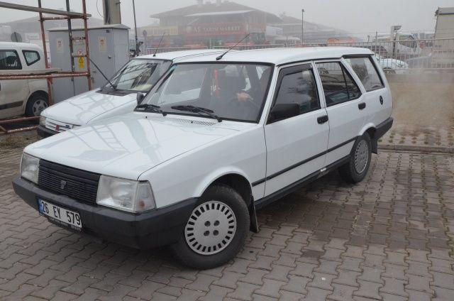 Garajdan çıkarmadığı otomobilini yıllar sonra bakın ne kadara satıyor