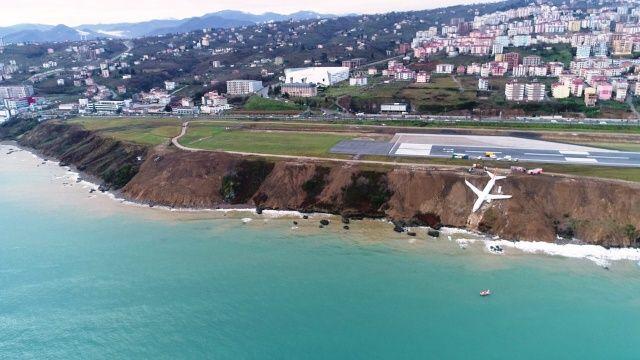 Trabzon'da pistten çıkan uçak havadan böyle görüntülendi