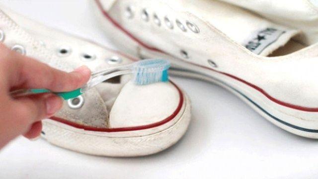 Diş macunu ile temizleyebileceğiniz 10 şey