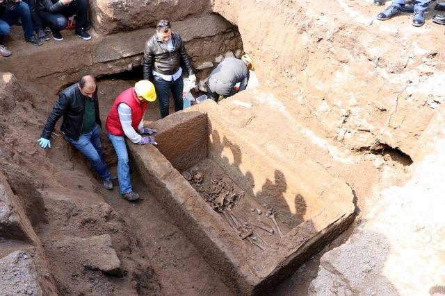 Kayseri'deki gizemli lahit açıldı