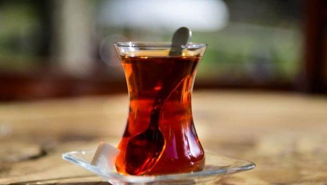 Çayı böyle içiyorsanız dikkat! Kanser riskini artırıyor…