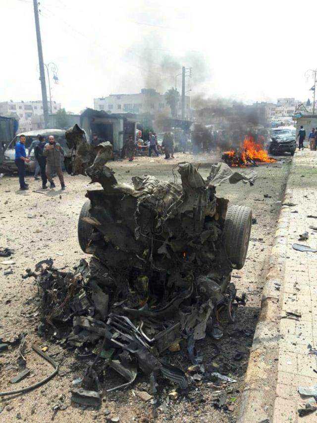 Azez'de bombalı araç patladı, çok sayıda yaralı var!