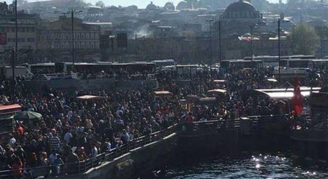 İstanbul'da balık-ekmeğe akın ettiler