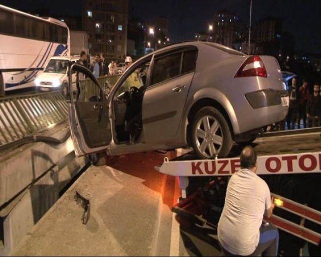 İstanbul'daki kazayı izlemek için sıraya girdiler