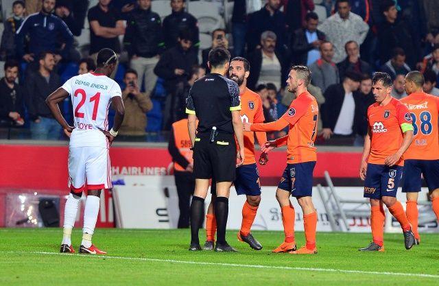 Arda Turan hülle transferiyle 16 maçlık cezadan kurtulabilir