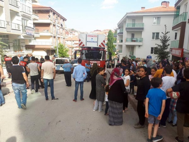 Ankara'da vahşet! Annesini bıçaklayıp 6 aylık bebeğini balkondan attı…