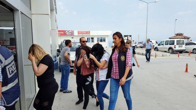 Kuşadası'nda fuhuş operasyonu: 4 kişi yakalandı