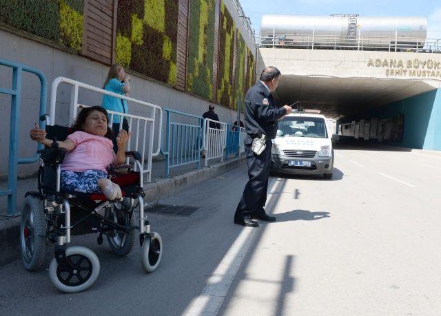 Engelli kızın telefonunu çalan zanlı yakalandı