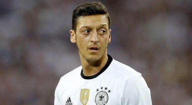 Mesut Özil'in ardından Almanya'da istifa baskısı