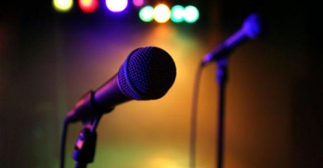 Acı haberi ailesi duyurdu... Dünyaca ünlü şarkıcı hayatını kaybetti!