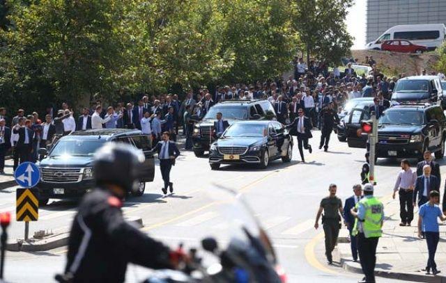 Cumhurbaşkanı Erdoğan onun sesini duyunca makam aracını durdurdu