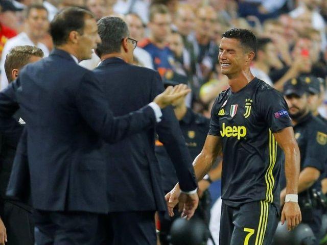 Cristiano Ronaldo gözyaşlarıyla sahayı terk etti