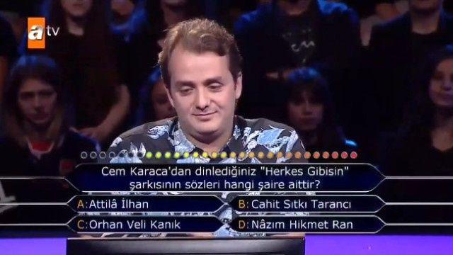 Milyoner'de öğretim görevlisi arkadaşına soru soran yarışmacı pişman oldu