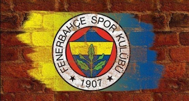 Fenerbahçe'ye kötü haber! Yıldız oyuncunun ayağı kırıldı