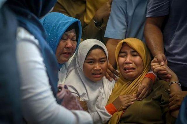 Endonezya'da uçak düştü