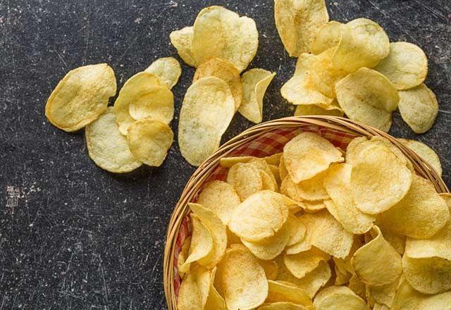Bu yiyecekler dişlerimize zarar veriyor!