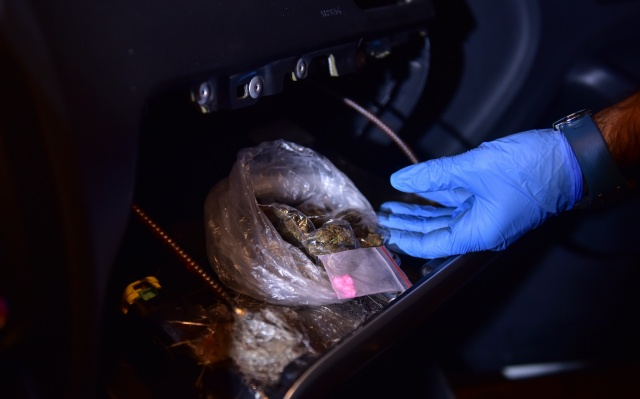 Lüks araçtaki uyuşturucu düzeneği polisleri bile şaşırttı