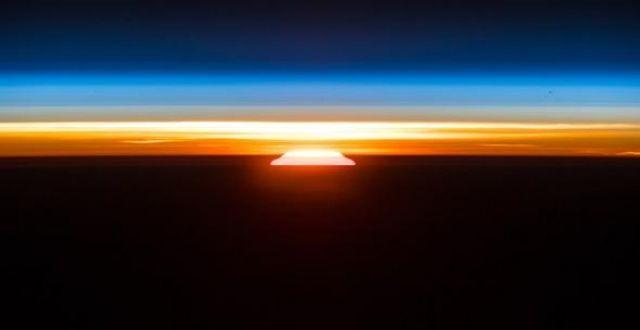 NASA, turuncu Dünya fotoğrafı paylaştı