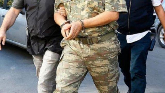 Çok sayıda muvazzaf asker yakalandı