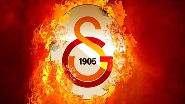 Galatasaray'ın yeni forvetini açıkladı!