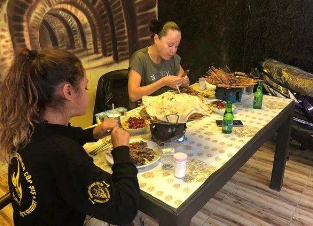 Rusya'dan gelip, 415 şiş yiyerek rekor kırdı