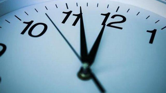 Yüz binlerce kamu çalışanını ilgilendiriyor! Mesai saatleri değişiyor