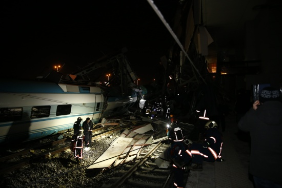 Ankara'da Yüksek Hızlı Tren kazası: Çok sayıda yaralı var