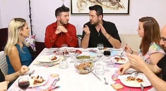 Yemekteyiz'in dış sesi kimdir? Yıllardır merak edilen gerçek ortaya çıktı!