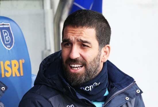 Arda Turan yeniden Galatasaray'a!