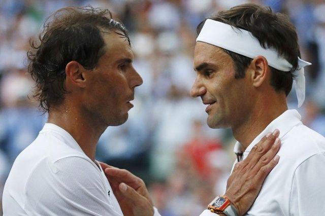 Sosyal medya onu konuştu! Federer-Nadal maçında kitap okuyan çocuk