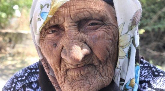 119 yaşını sürpriz doğum günüyle kutladı