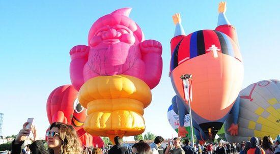 On binlerce kişi oraya akın etti! Kapadokya Balon Festivali'nden renkli görüntüler