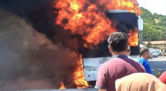 Balıkesir'de yolcu otobüsünde yangın! Sebebi belli oldu