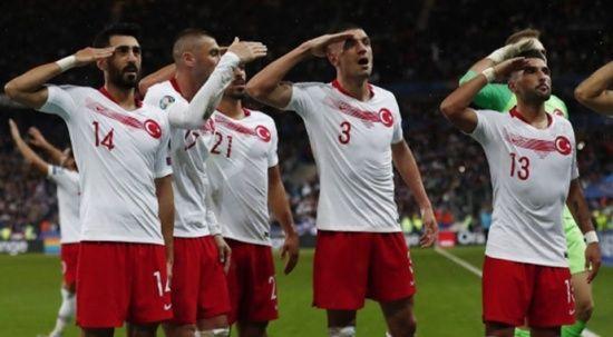 Fransa - Türkiye maçından geceye damga vuran kareler!