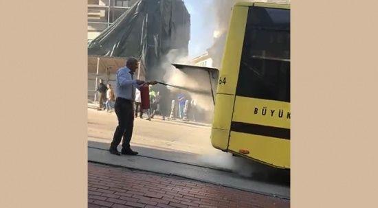 Kahraman şoför içinde yolcularla birlikte yanan otobüsünü böyle söndürdü