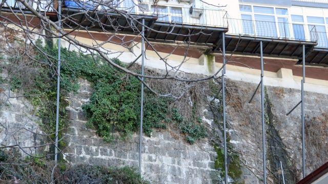 Giresun'da kayalıkların üzerindeki bu evleri gören şaşkına dönüyor