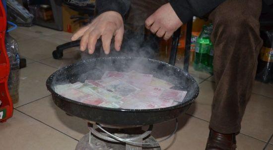 Koronavirüse Karadeniz usulü çözüm! Paraları 100 derecede kaynatıyor