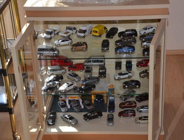 Oyuncak araba koleksiyonuna servet harcadı
