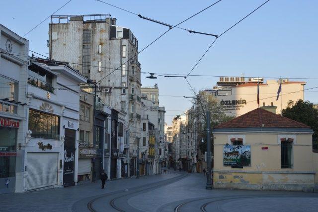 Sokağa çıkma kısıtlamasının son gününde İstanbul'da sessizlik hakim