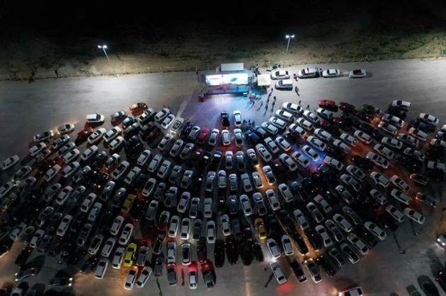 Nevşehir'de araçlarla açık hava sinema etkinliği