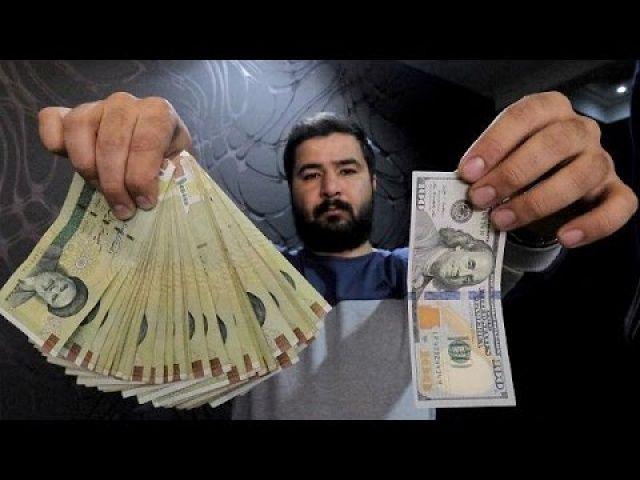 Yaptırımlarla ezilen İran'ın parası her geçen gün değersizleşiyor