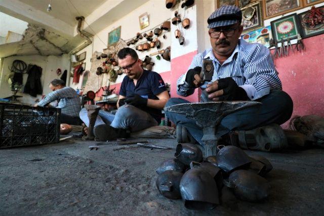 Dedelerinin esir düşüp öğrendiği mesleği şimdi Yunanistan'a ihraç ediyorlar
