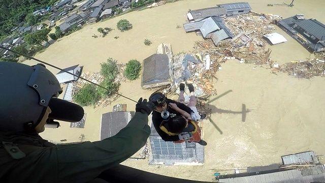 Japonya'da nehirler taştı, binlerce ev elektriksiz kaldı: Sel felaketinde ölü sayısı 52'ye yükseldi
