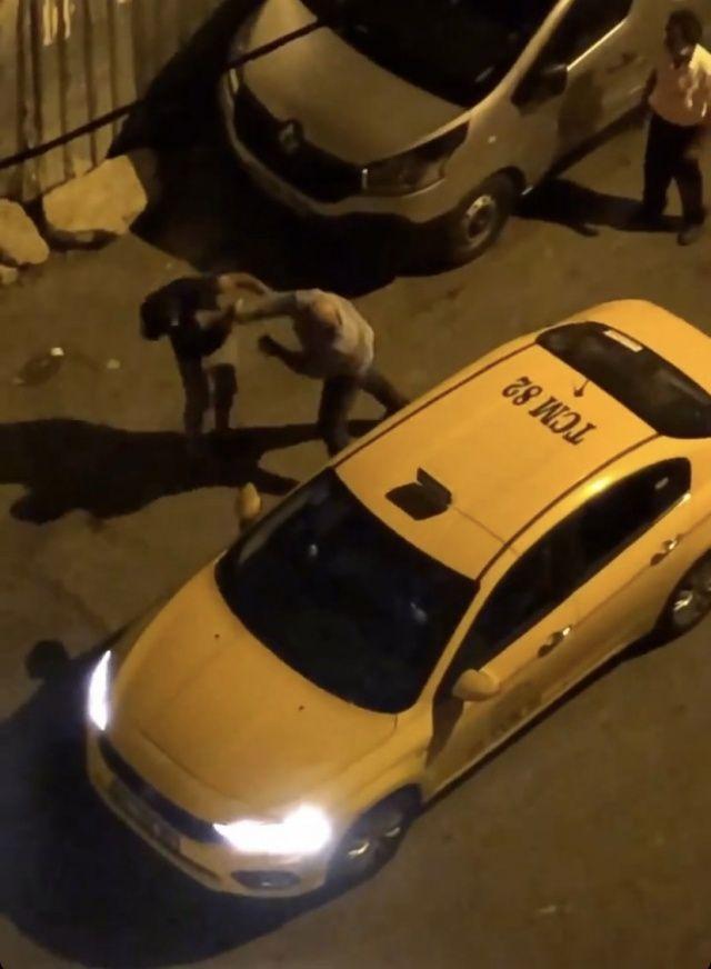 Müşterisini yumruklayan taksicinin belgesi süresiz iptal