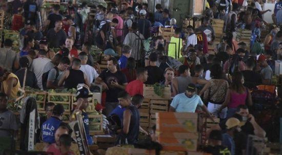 Salgının merkez üslerinden Brezilya'da korkutan görüntü