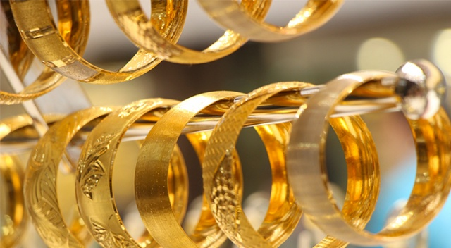 Altın yatırımcılarına 'yastık altı' tavsiyesi
