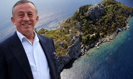 Ali Ağaoğlu içinde şato bulunan adasını satışa çıkardı! Fiyatı dudak uçuklatıyor
