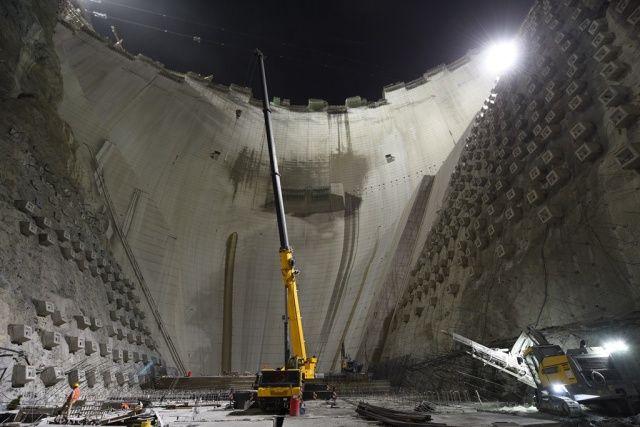 Tamamlandığında Türkiye'nin en yüksek, dünyanın ise üçüncü barajı olacak...