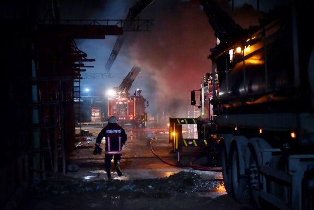 Mersin'de hal yandı! Bir işçi bir gözaltında