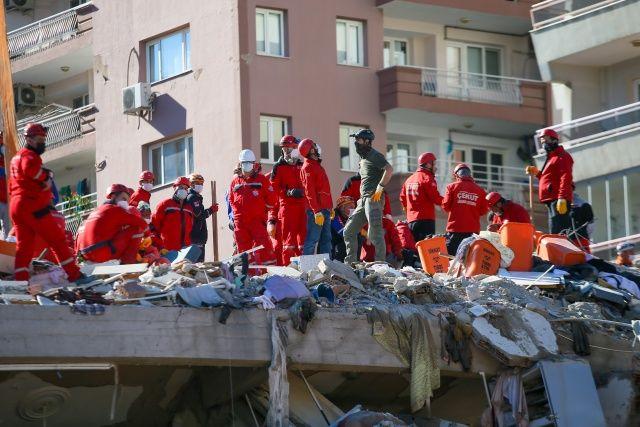 Uzmanlar açıkladı! İşte İzmir'deki binaların yıkılma sebebi